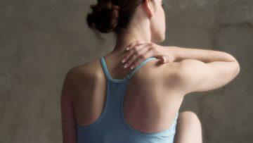 Hilfe bei Rückenschmerz: Von Chili bis Selbstmassage